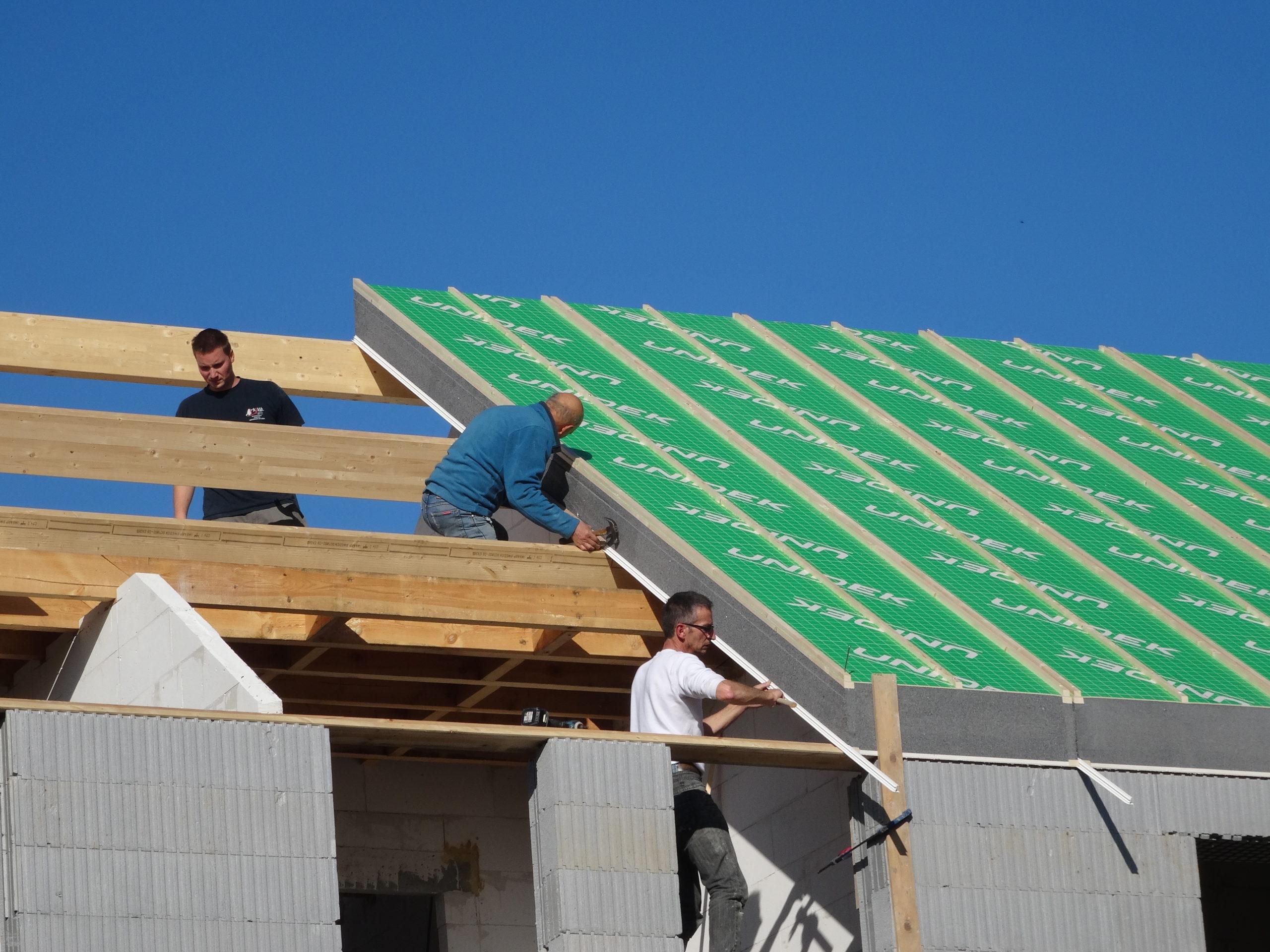 Nouvelle gamme de panneaux auto-portants pour toitures, ainsi que notre ventilation VMC double-flux