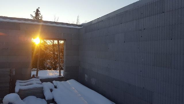 Nous pouvons déjà admirer un couché de soleil par notre fenêtre !
