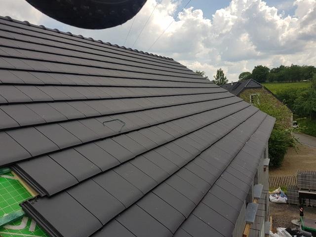 Ça y est... le toit est bientôt terminé !