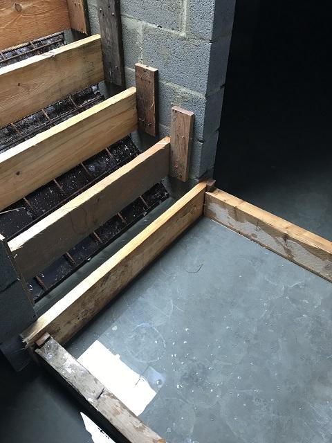 Coffrage de l'escalier...
