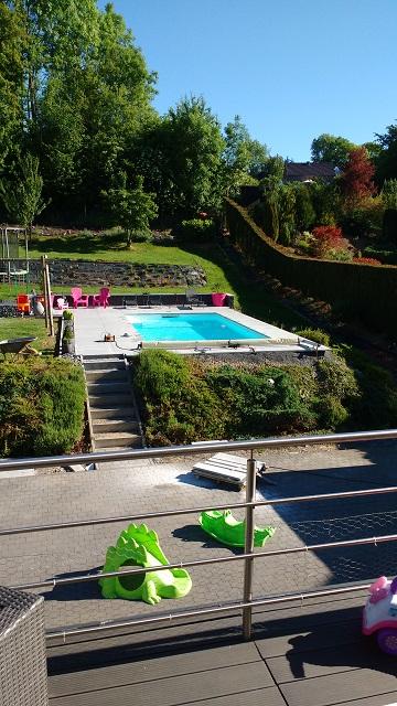 Nous pouvons aujourd'hui profiter pleinement de notre magnifique piscine !