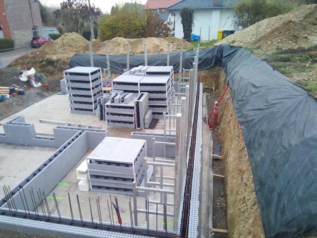 Mr et Mme Simart – autoconstructeur – Blocs de coffrage isolants intérieurs & extérieurs + châssis